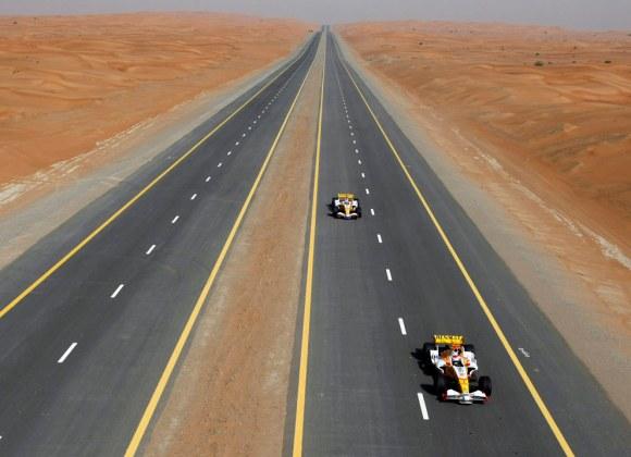 renault-f1-desert.jpg