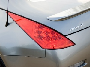 2007-Nissan-350Z-Rear-Light-1920x1440