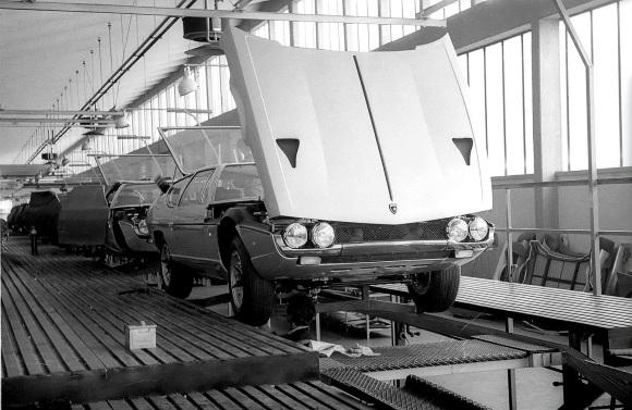 Lamborghini-Factory-1969-Espada