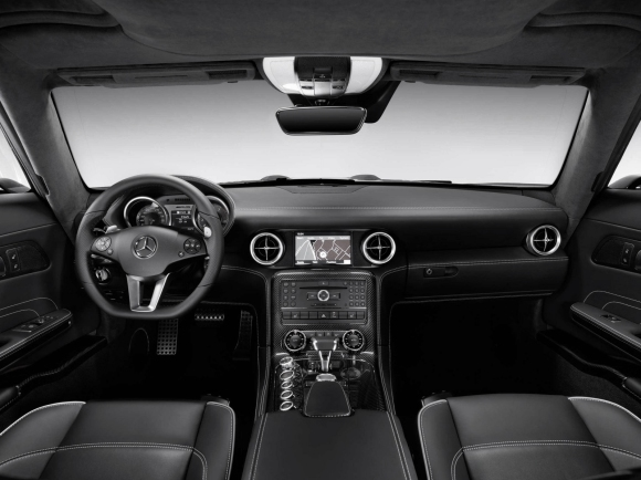 Mercedes_Benz_SLS_Gullwing_Interior