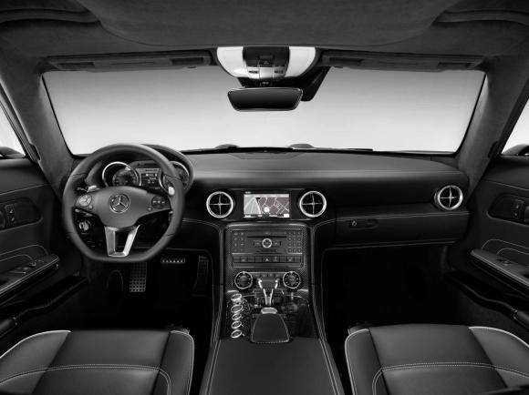 Mercedes_Benz_SLS_Gullwing_Interior