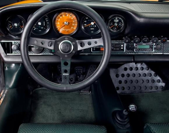 Singer_911_interior