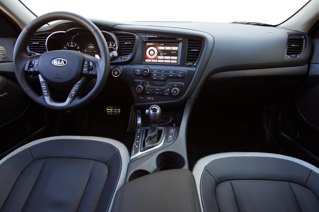 Hyundai Sonata interior: