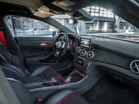 mercedes-benz-cla-45-amg-interior