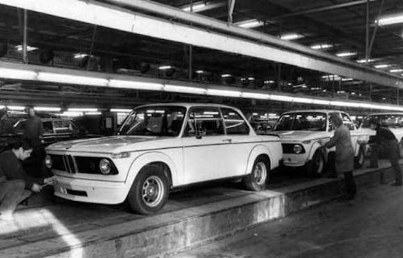 bmw-2002-factory